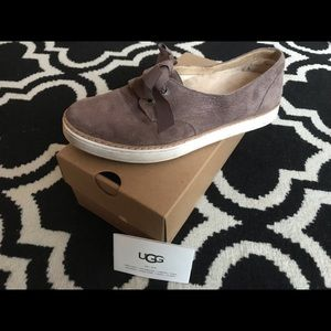 UGG sneakers leather suede with ribbon